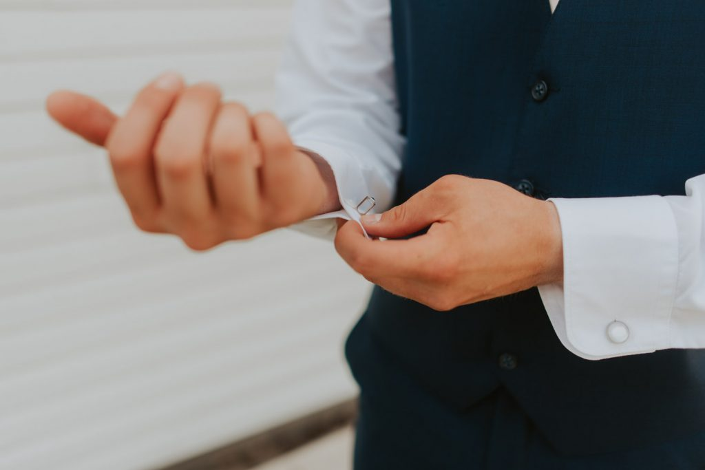 getting ready details from wedding details at ackerhurst barn wedding in omaha, nebraska