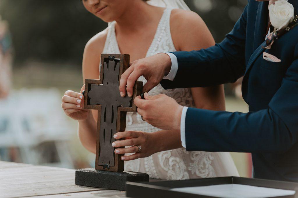 wedding ceremony at ackerhurst barn in omaha, nebraska