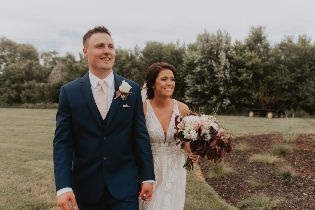 bride and groom portraits at ackerhurst barn in omaha, nebraska