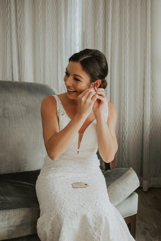 bride getting ready at hotel deco in omaha nebraska